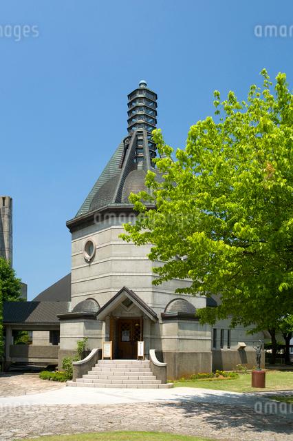 新緑の蕗谷虹児記念館の写真素材 [FYI01630165]