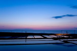 水田と日本海の写真素材 [FYI01630670]