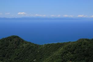 弥彦山スカイラインより日本海の写真素材 [FYI01630703]