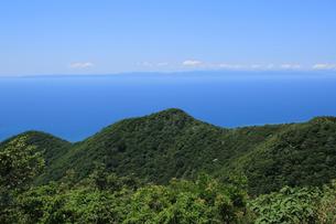 弥彦山スカイラインより日本海の写真素材 [FYI01630973]