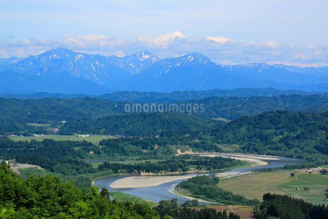 山本山より越後三山と信濃川の写真素材 [FYI01631181]