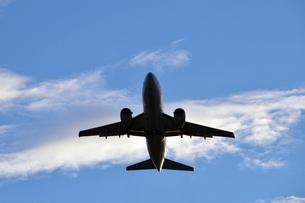 飛び立った飛行機の写真素材 [FYI01631365]