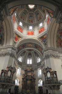 大聖堂の内部の写真素材 [FYI01632449]