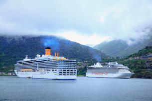 ガイランゲルフィヨルド観光船の写真素材 [FYI01632868]