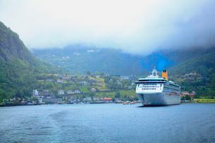 ガイランゲルフィヨルド観光船の写真素材 [FYI01633009]