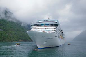 ガイランゲルフィヨルド観光船の写真素材 [FYI01633075]