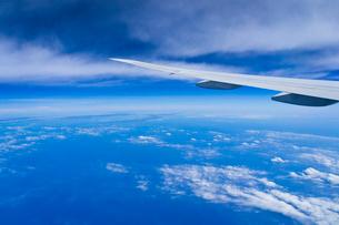 機中より雲の写真素材 [FYI01634631]