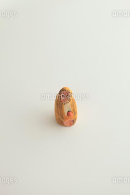 猿の張り子の写真素材 [FYI01634933]