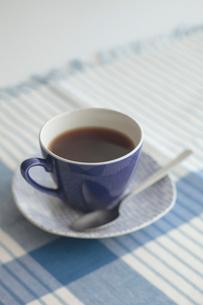 カップアンドソーサーとコーヒーの写真素材 [FYI01635419]