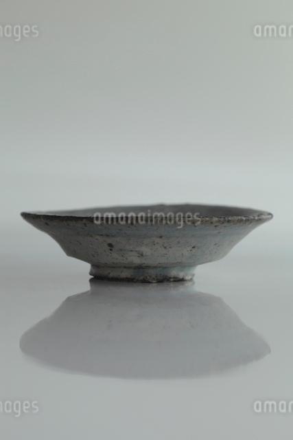 美濃焼きの小皿の写真素材 [FYI01635447]