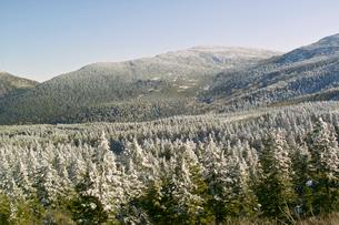 冬のエコーラインより南蔵王を望むの写真素材 [FYI01635752]