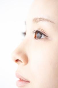女性の瞳の写真素材 [FYI01636252]