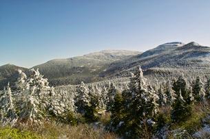 冬のエコーラインより南蔵王を望むの写真素材 [FYI01636381]