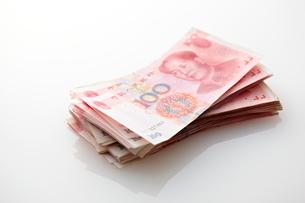 並べられた中国元の写真素材 [FYI01637572]