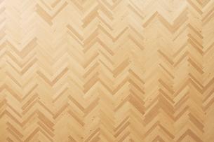 茶色の床と椅子の写真素材 [FYI01637692]
