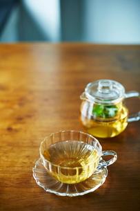 テーブルの上の飲み物の写真素材 [FYI01637730]