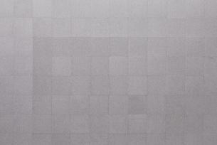 グレーのタイルカーペットの写真素材 [FYI01637974]