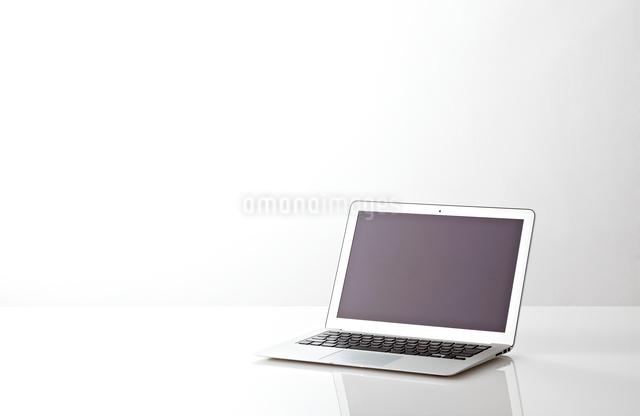 ノートパソコンの写真素材 [FYI01638077]