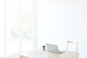 シンプルな部屋の写真素材 [FYI01638125]