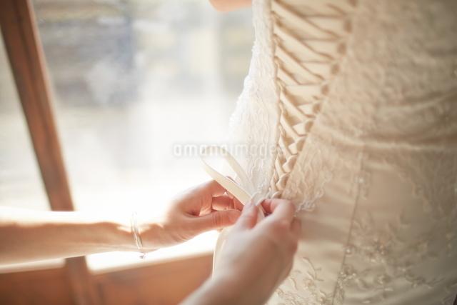 結婚式前の花嫁の写真素材 [FYI01638399]