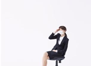 体調の悪い女性の写真素材 [FYI01638453]