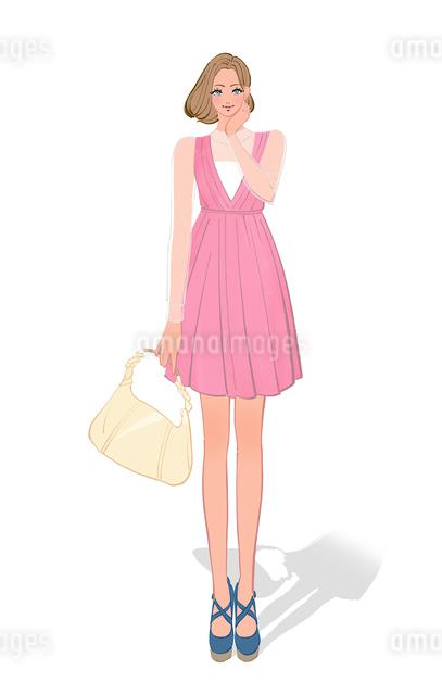 ワンピースを着て買い物に出かけるショートボブの女性のイラスト素材 [FYI01639730]