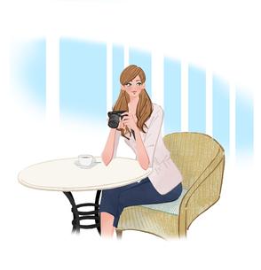 カフェで椅子に座りカメラを持つ女性のイラスト素材 [FYI01639834]
