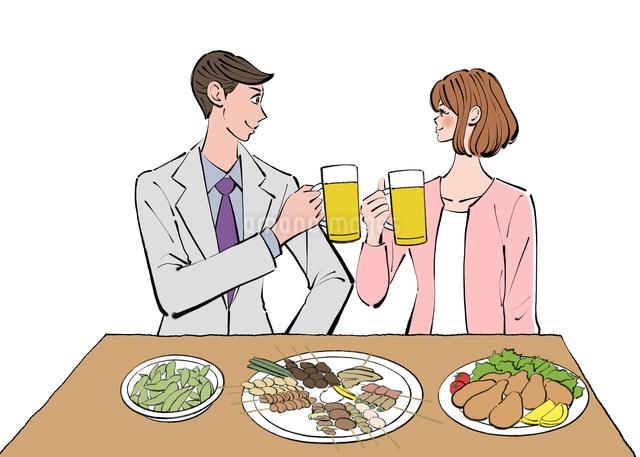 居酒屋でビールで乾杯する仕事帰りの女性と男性のイラスト素材 [FYI01639916]