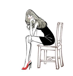 椅子に座り頬杖をつくドレスとハイヒールの女性のイラスト素材 [FYI01639932]