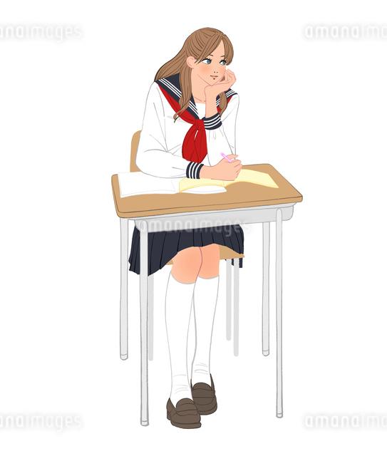セーラー服を着て教室の机に座り頬杖をつく女子高校生のイラスト素材 [FYI01640068]