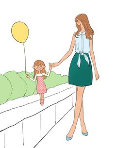 手をつないで散歩する風船を持った子供とママのイラスト素材 [FYI01640099]