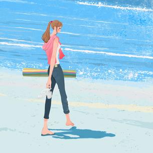 海辺を裸足で歩く女性のイラスト素材 [FYI01640136]