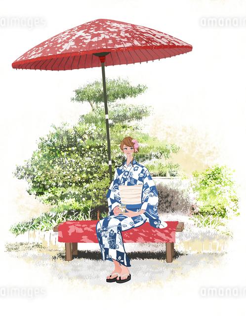 京都で野立て傘のベンチに座りお茶を飲む浴衣の女性のイラスト素材 [FYI01640171]