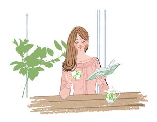 リビングで本を読みながら紅茶を飲む女性のイラスト素材 [FYI01640174]