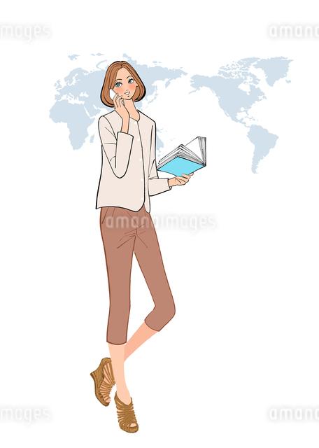 グローバルな仕事をする、電話で話す女性社員のイラスト素材 [FYI01640203]
