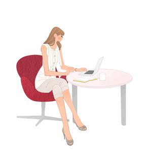 オフィスのテーブルでノートパソコンに向かう女の子のイラスト素材 [FYI01640250]