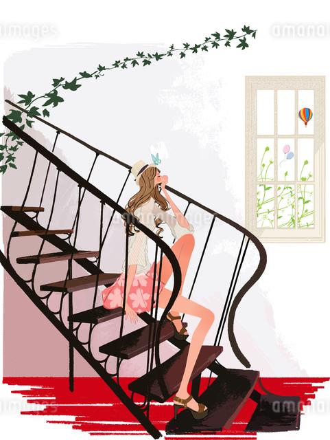 初夏、階段に座る女性のイラスト素材 [FYI01640279]