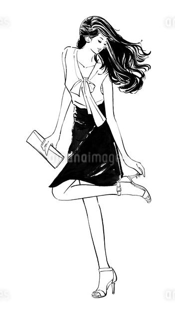 パーティへ行くハイヒールを直すロングヘアーの女性のイラスト素材 [FYI01640313]