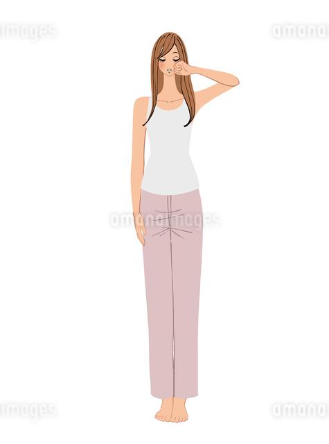 寝起きで目をこする女性のイラスト素材 [FYI01640332]
