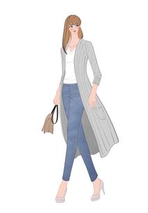 ロングカーディガンを着て街を歩く女性のイラスト素材 [FYI01640478]