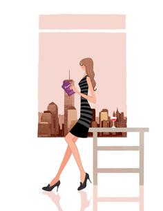 窓辺でテーブルに腰掛けて本を読む女の子のイラスト素材 [FYI01640655]