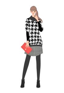 千鳥格子の服を着てハンドバッグを持って立つ女性のイラスト素材 [FYI01640831]