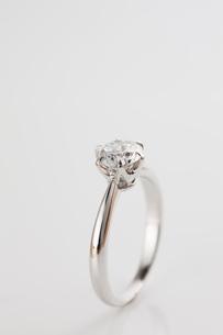 ダイヤモンドの指輪の写真素材 [FYI01641833]