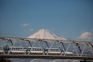 新幹線と富士山の写真素材 [FYI01642145]