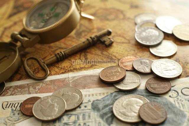 昔の外国のお金の写真素材 [FYI01642162]