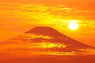 富士山と朝日の写真素材 [FYI01642543]