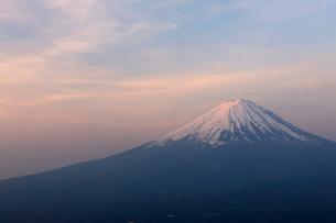 新道峠からの富士山の写真素材 [FYI01642547]