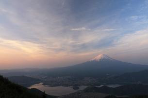 新道峠からの富士山の写真素材 [FYI01642667]
