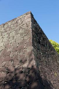 熊本城、武者返しの石垣の写真素材 [FYI01642867]