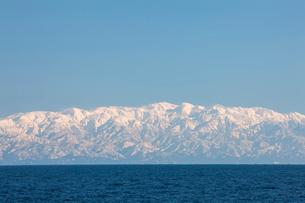 能登半島から見える立山連峰の写真素材 [FYI01643035]